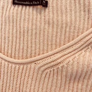 Abercrombie & Fitch Tops - ❌sold❌🤷🏼‍♀️Soft 100% cotton blush sweater